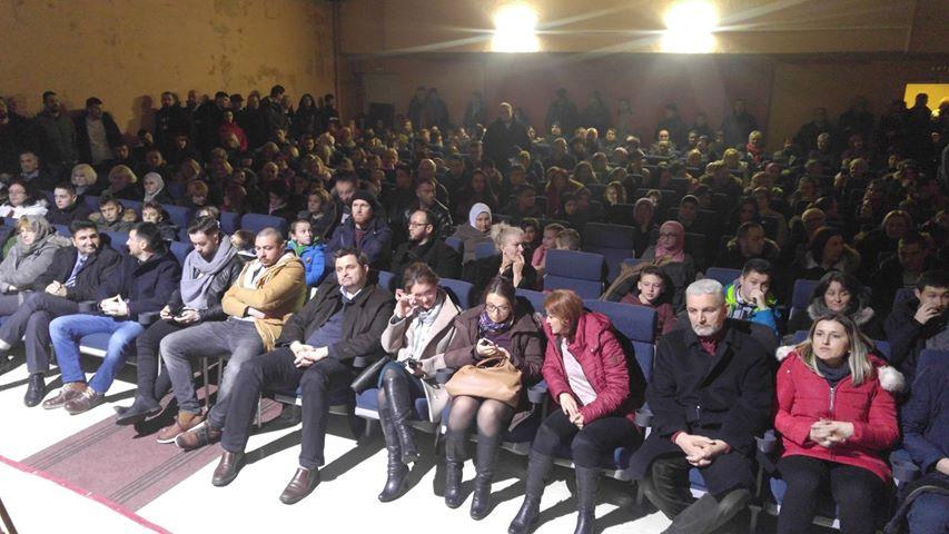 """U prepunoj sali kina održana premijera filma Enesa Hotića """"Bol moje tišine"""""""