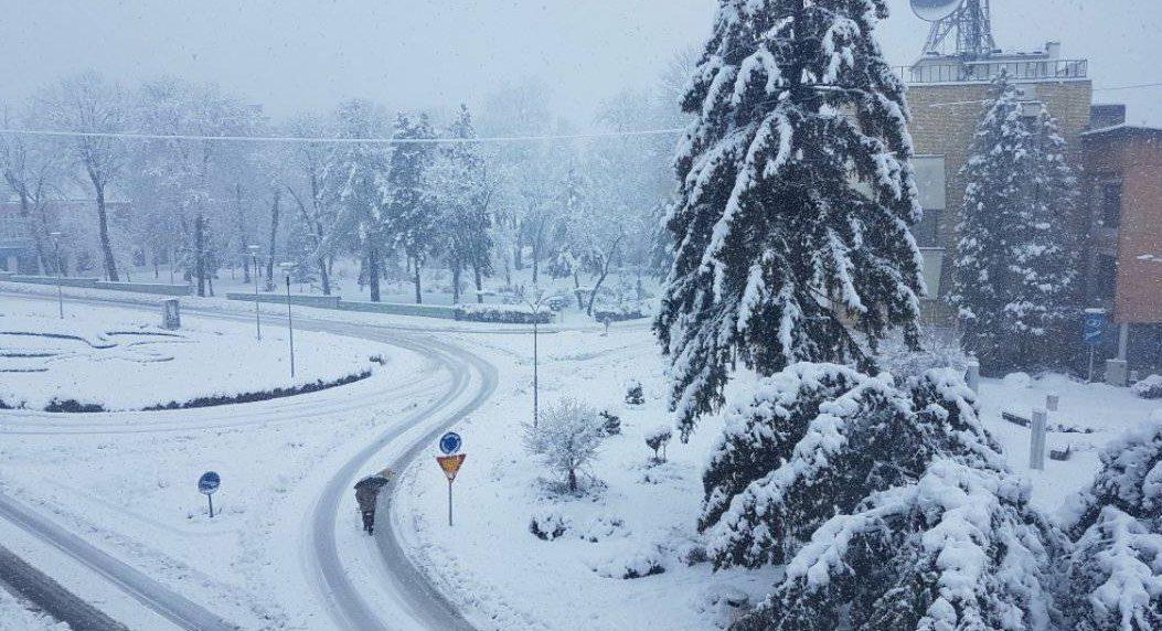 Snijeg prekrio Sanski Most
