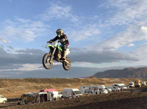 Mlada Mia Ribić akrobacijama na motociklu ostavlja bez daha