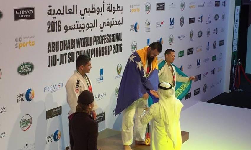 Bošnjak koji je primjer drugima: Almir Kapić – hafiz, svjetski prvak u jiu jitsuu i islamski misionar