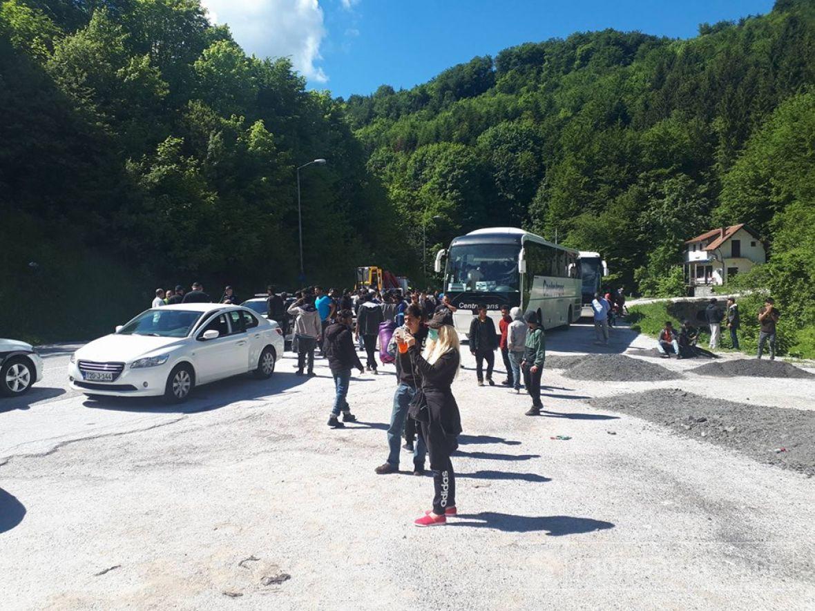 MUP HNK vratio autobuse na teritoriju Kantona Sarajevo, migranti isprepadani i u suzama