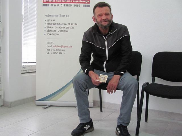 Dirhem uručio Ernadu Omeroviću novčanu pomoć u iznosu od 600 KM