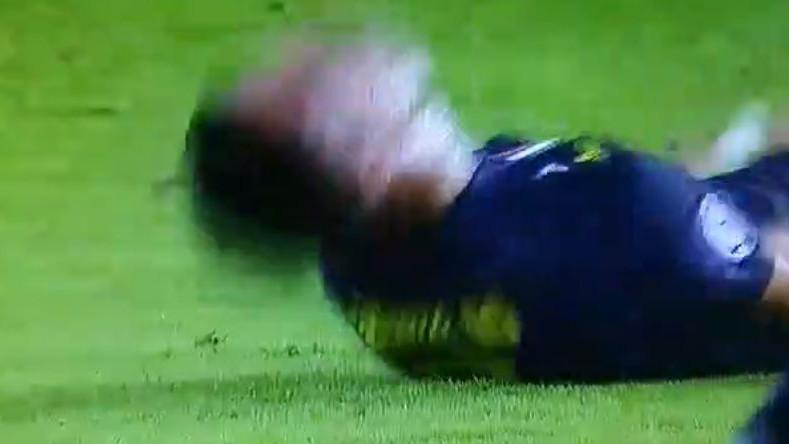 Cristiano Ronaldo se bacio na teren kada je vidio crveni karton