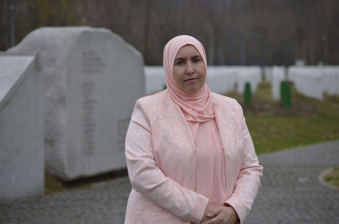 Begija Smajić / Prva žena s hidžabom u NSRS-u: Cvijet Srebrenice nosit ću i dalje