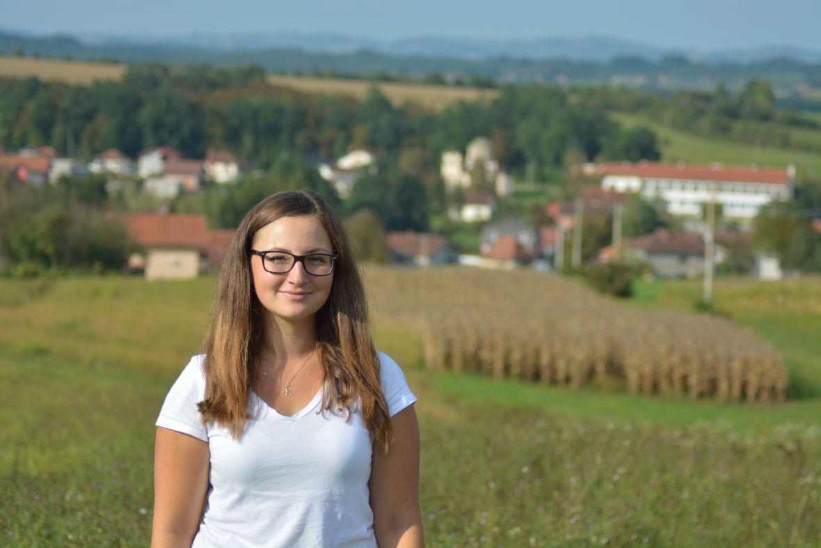 Mlada studentica Ena vraća se iz Njemačke u BiH kako bi pokrenula posao