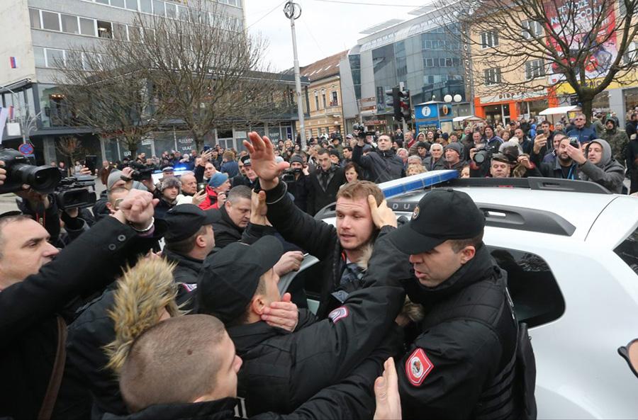 Uhapšeni Draško Stanivuković: Zajedno smo jači od njih VIDEO