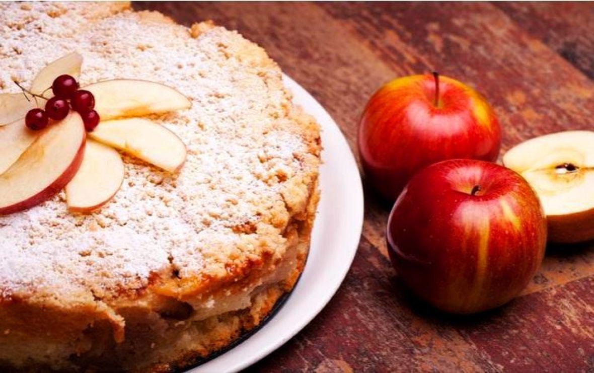 Isprobajte sjajan recept za kolač od jabuke i kruha