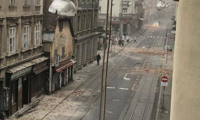Zagreb se snažnim pljeskom oprostio od djevojčice koja je umrla od posljedica potresa