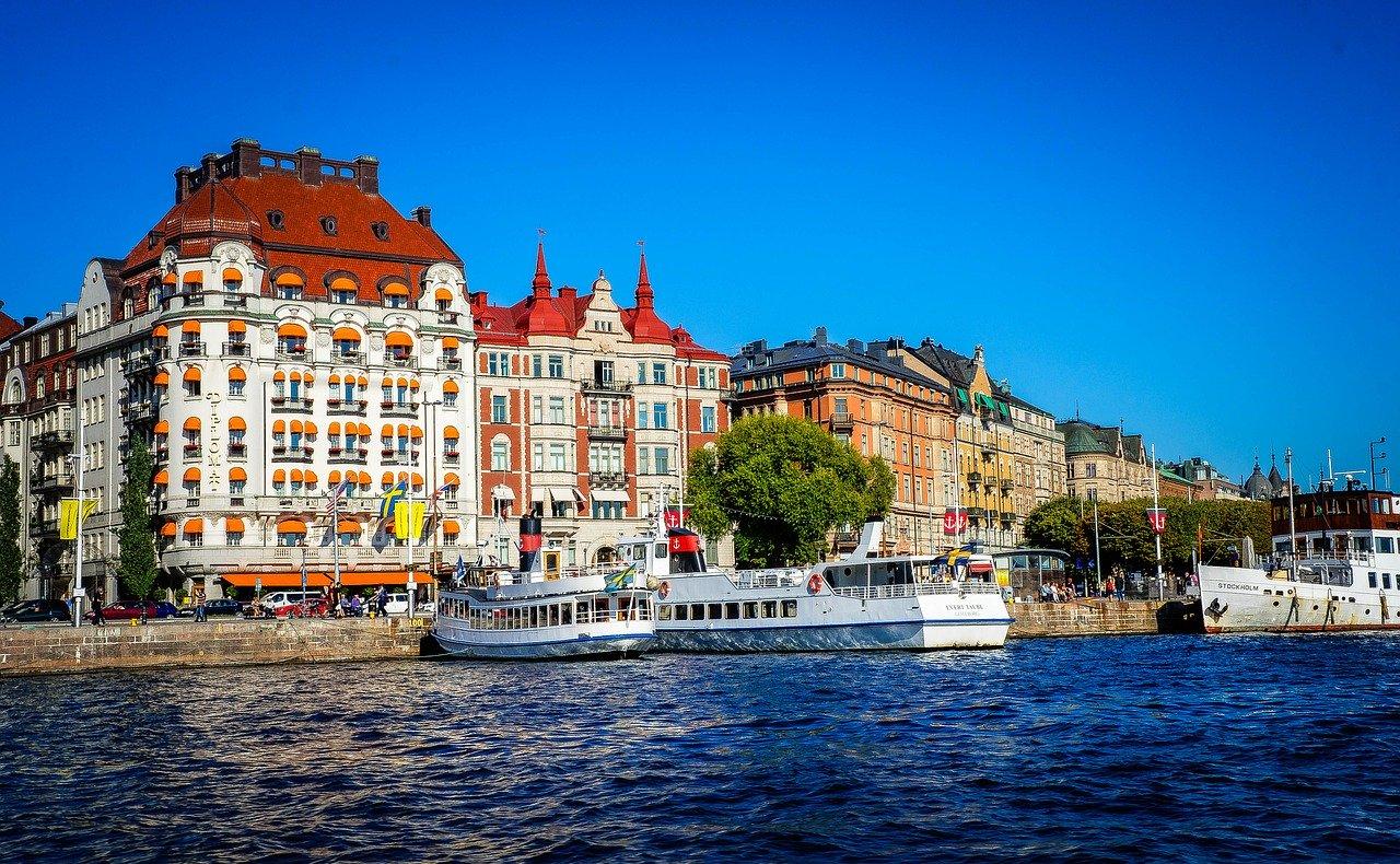 Švedski način borbe protiv virusa: 'Uživajte u suncu