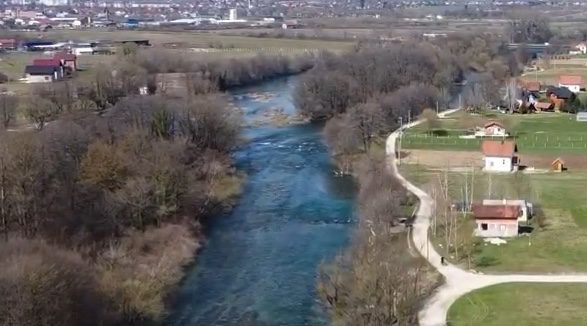 Predivni kadrovi  na rijeci Sani iz zraka VIDEO