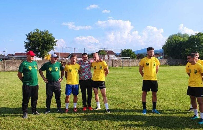 BRAVO Donirali 60 majica nogometašima Podgrmeča