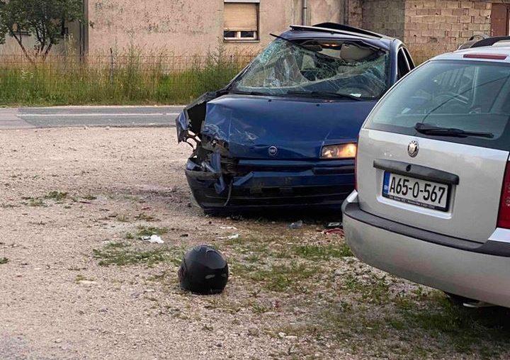 U sudaru automobila i motora ozlijeđena dva mladića