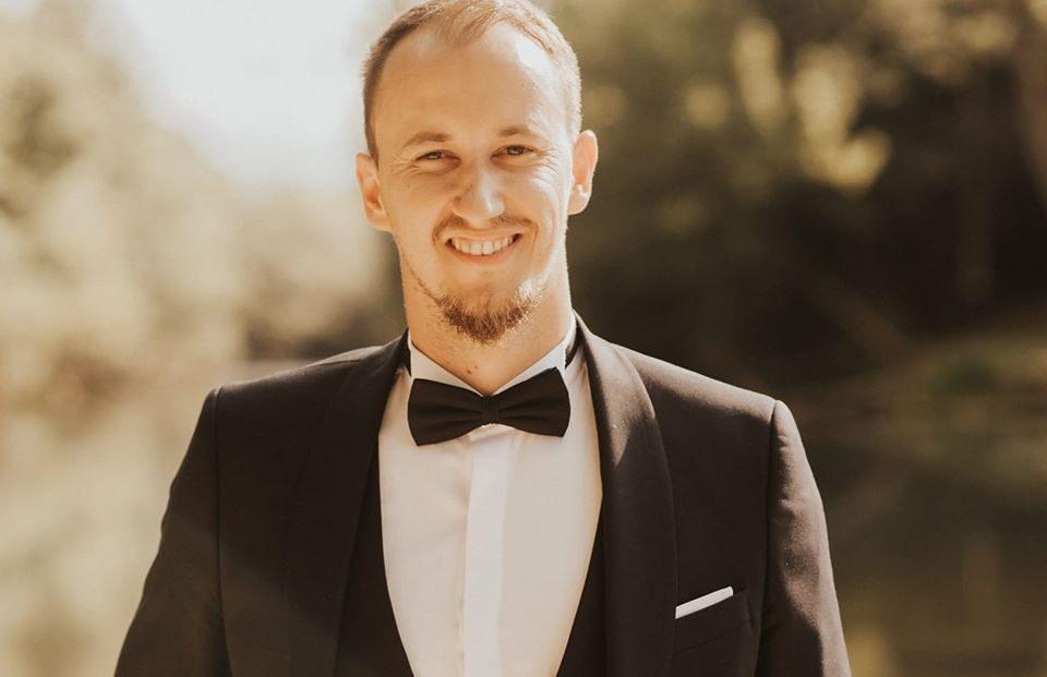 Dr. ENES DEDIĆ Mladi naučnik i historičar iz Sanskog Mosta