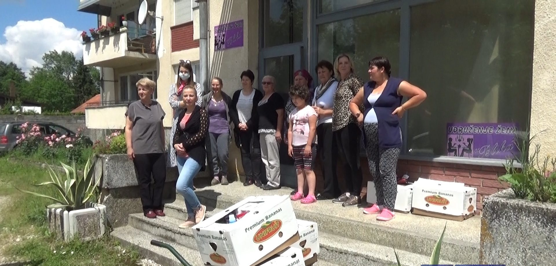 Uručeni paketi za 15 porodica