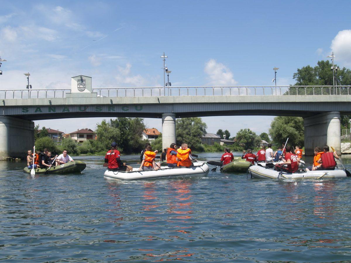 DOŽIVLJAJ Rafting na rijeci Sani