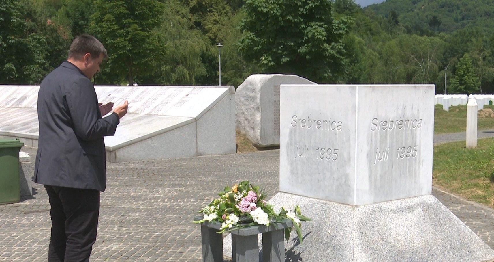Načelnik Hasanbegović posjetio Memorijalni centar u Potočarima