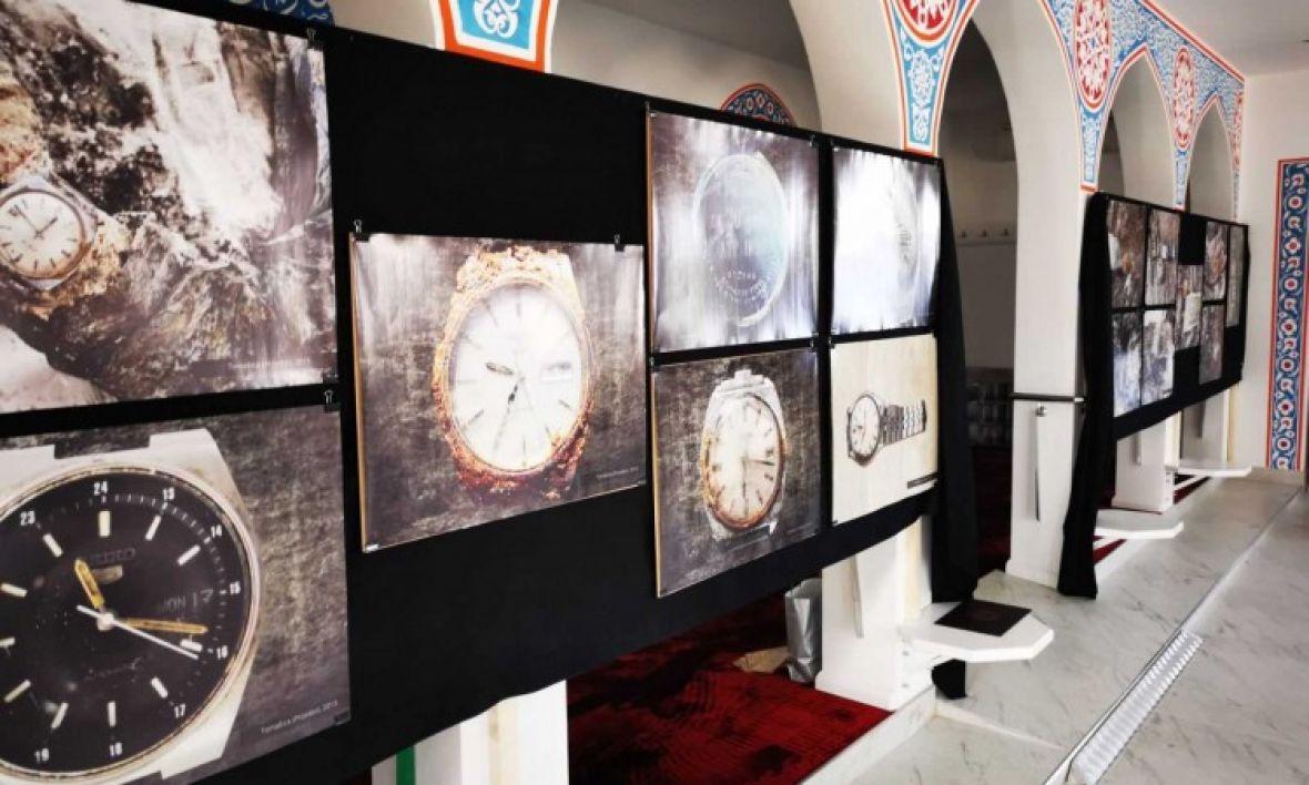 Kad je vrijeme stalo: Izložba fotografija satova žrtava iz masovnih grobnica
