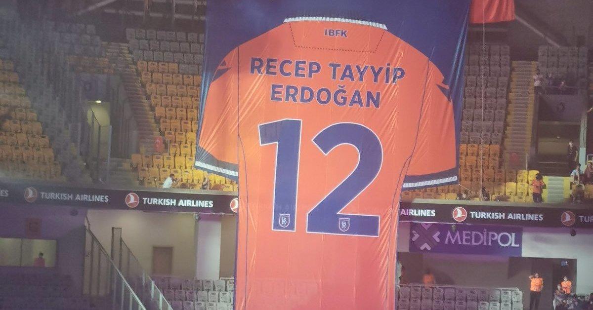 Bašakšehir nakon prve osvojene titule povukao broj 12 u čast Erdogana