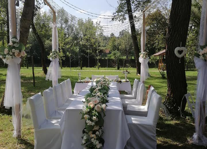 Prekrasne fotografije svadbenih dekoracija u Sanskom Mostu