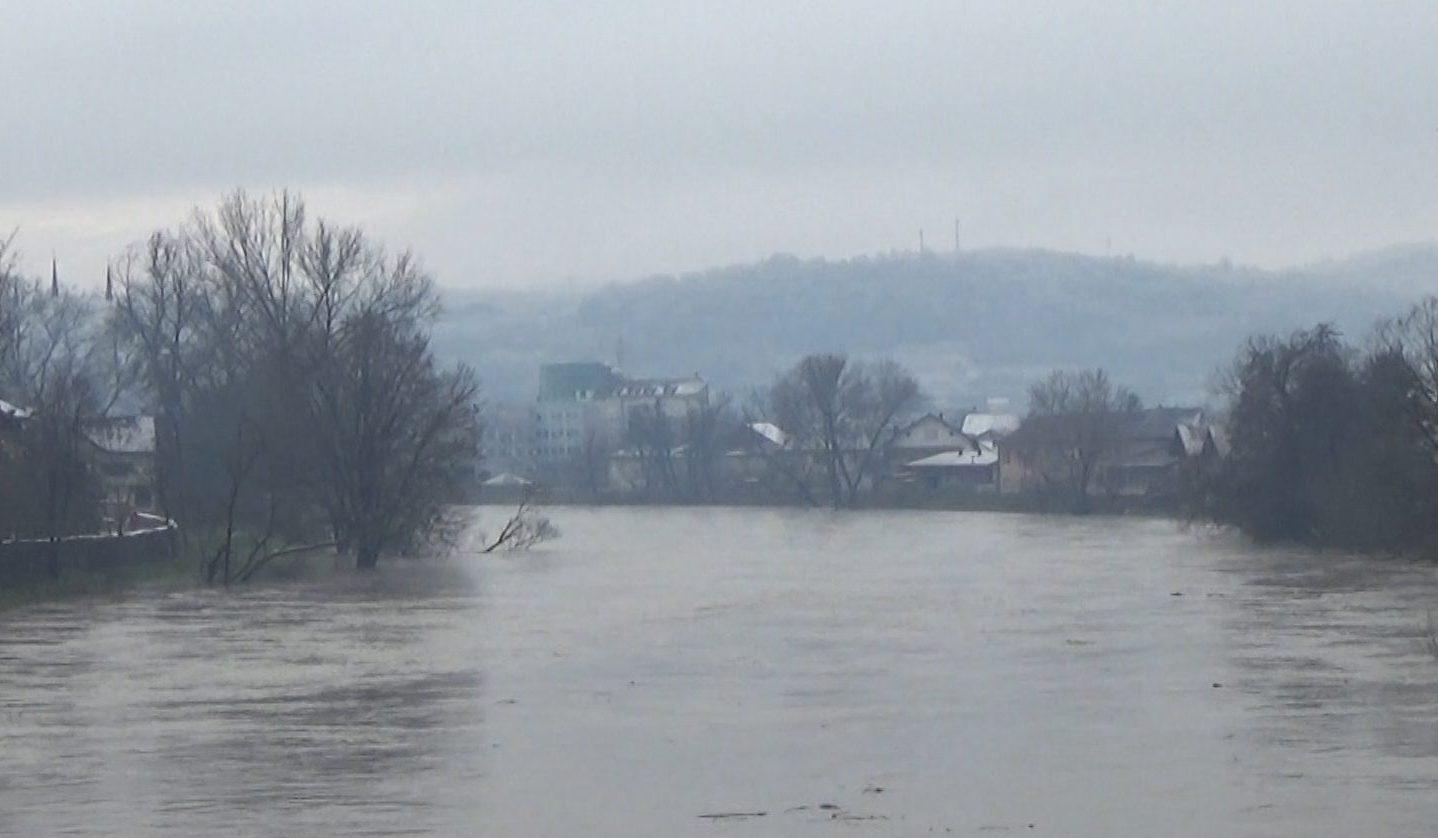 Nagli rast vodostaja rijeke Sane