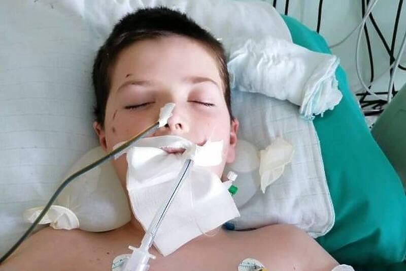Nakon što je stradao od viljuškara malom Vedadu potrebna pomoć za liječenje u Turskoj