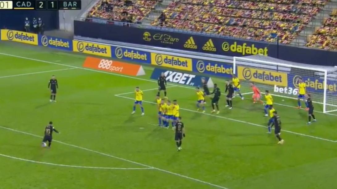 Iz 62 pokušaja zabio jedan gol. Messi nije dopustio Pjaniću slobodni udarac