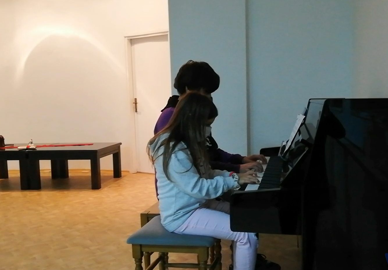 Održan novogodišnji koncert učenika Osnovne muzičke škole.