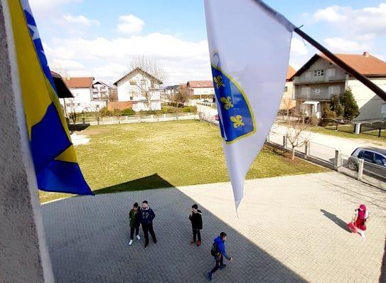 Podignimo zastave!!