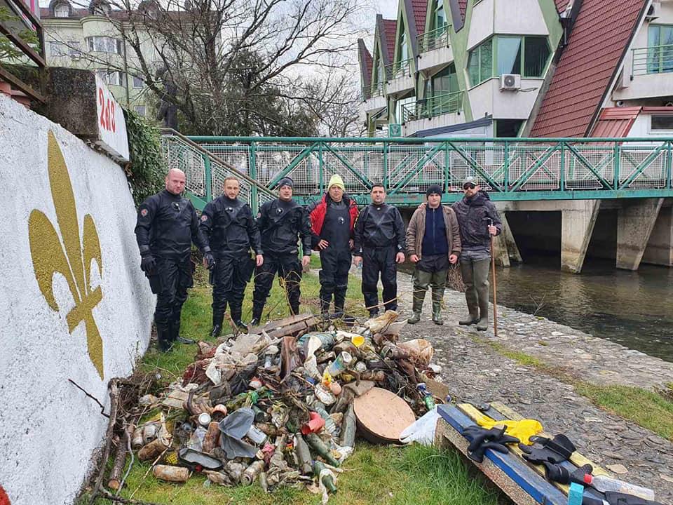 "Članovi ronilačkog kluba ""Vir-Sana""  podržali eko akciju"