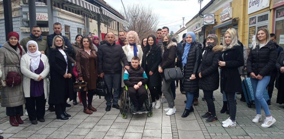 Zahvaljujući pomoći dobrih ljudi: Osam osoba putuje na liječenje u Tursku