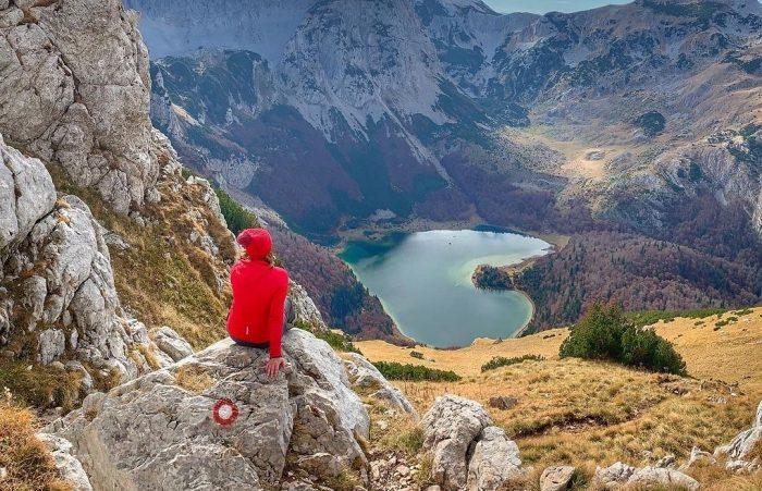 Planinsko jezero u obliku srca koje vrijedi posjetiti!
