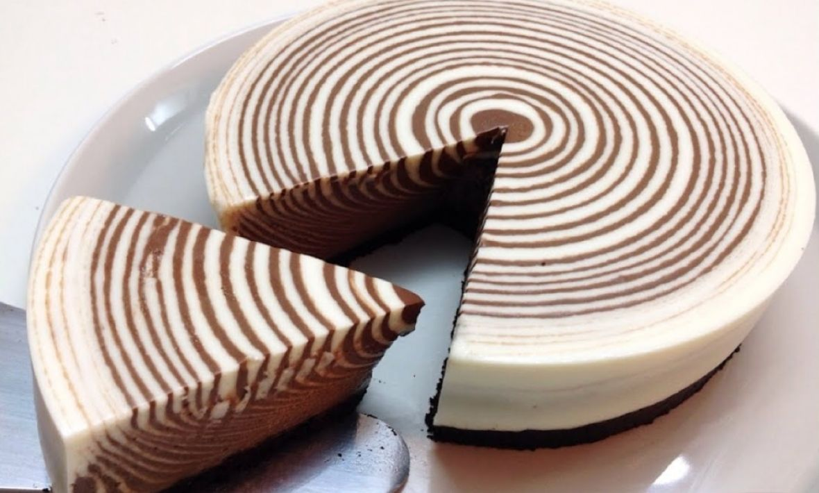 Ne peče se i brzo je gotova: Zebra torta oduševit će vas okusom i izgledom