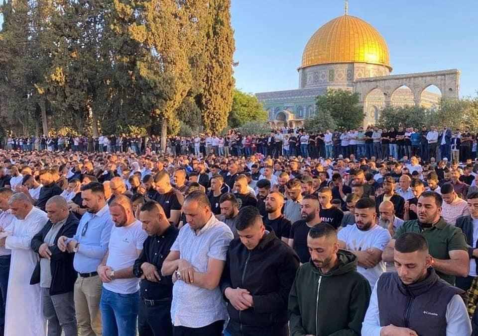 Više od 100.000 Palestinaca klanjalo bajram-namaz u Al-Aksi