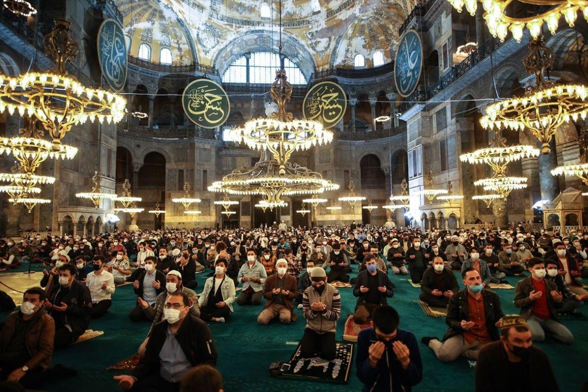 Prvi Ramazanski bajram-namaz u Aja Sofiji nakon 87 godina