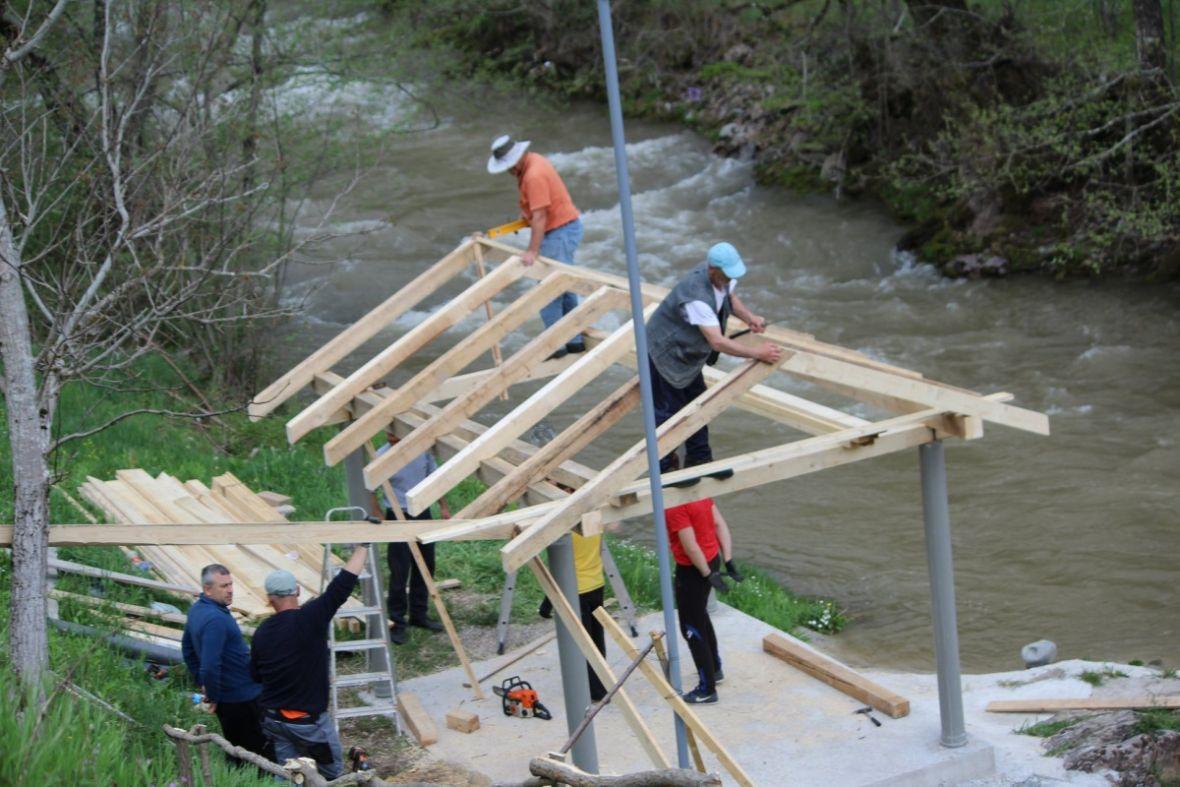I ovo je BiH: Građani prave 15 kupališta u znak borbe protiv gradnje MHE