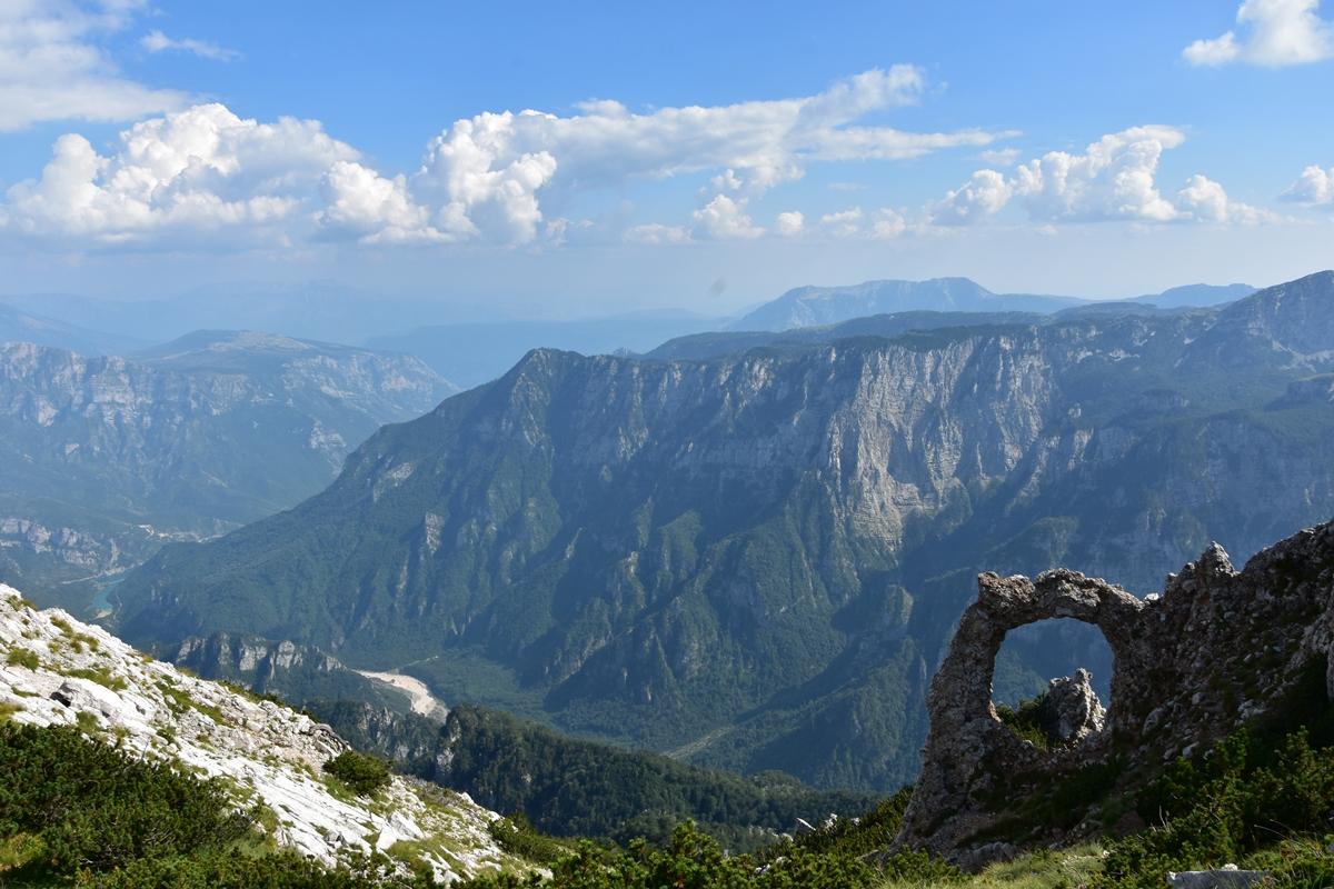 Hajdučka vrata na Čvrsnici – najljepši vidikovac na planinama u BiH