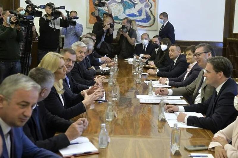 U Beogradu počeo sastanak Vučića sa delegacijom iz Republike Srpske