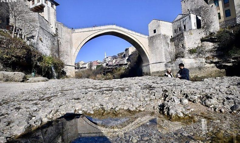 """Pod sloganom """"Sve je premostivo"""" Mostar slavi 17. godišnjicu obnove Starog mosta"""