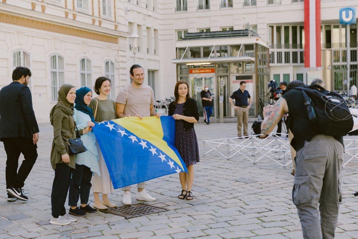 Mlade Zeničanke austrijskoj vladi predale dokaze o nasilju policije protiv migranata