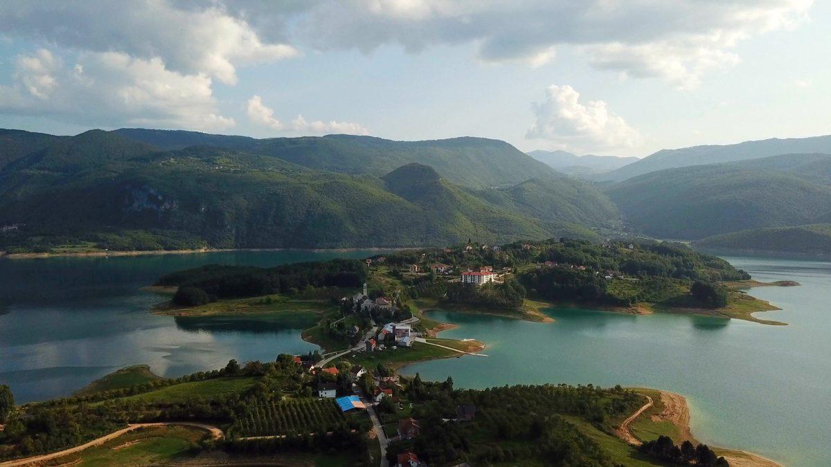 10 najljepših jezera u BiH na kojima možete uživati u odmoru