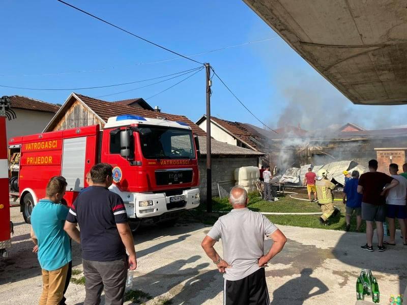 Velika šteta nakon požara u Sanskom Mostu