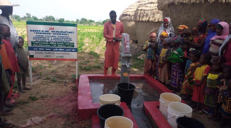 U čast Mirze Raščića: Manijaci izgradili hair česmu u afričkoj zemlji gdje nema pitke vode
