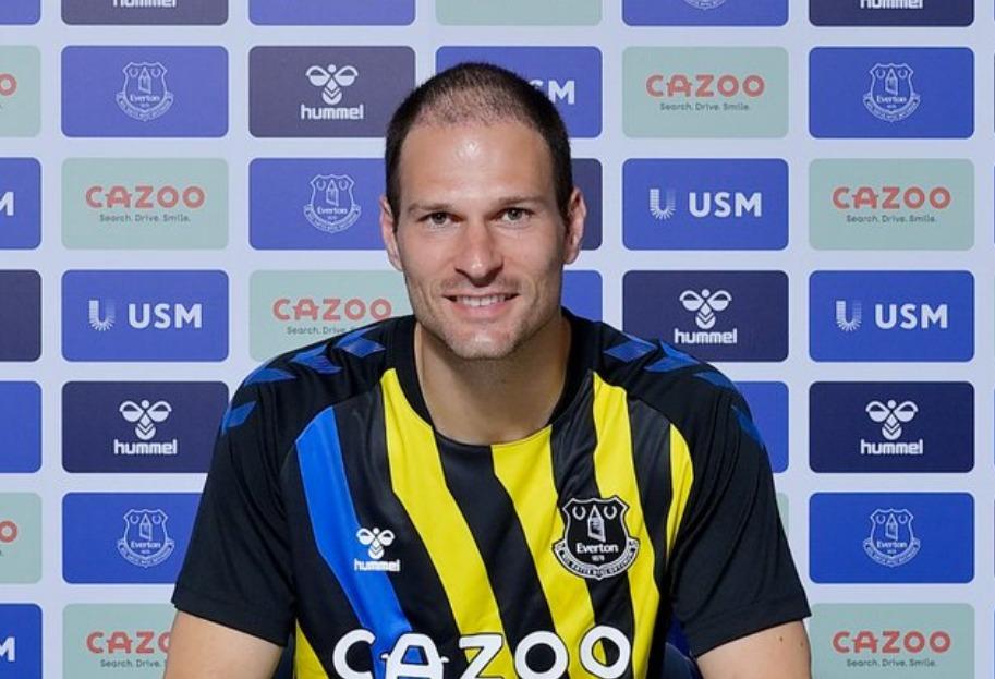 Asmir Begović nakon potpisa za Everton: Oduševljen sam. Bit će borba sa Pickfordom