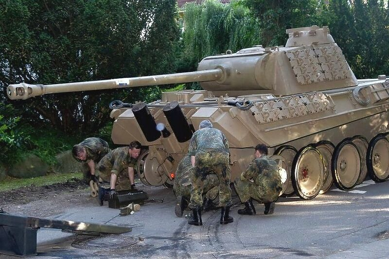 Pravna bitka u Njemačkoj zbog penzionera koji je čuvao tenk i oružje iz Drugog svjetskog rata