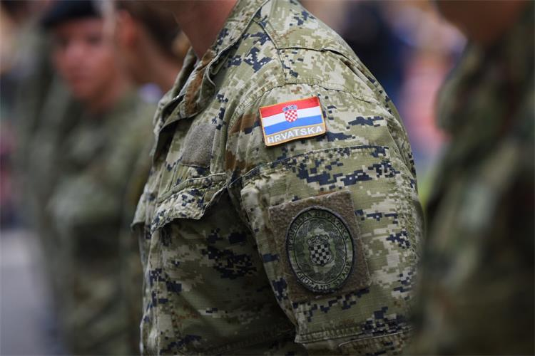 Petorica hrvatskih vojnika pozitivna na kokain, MORH tvrdi da ga nisu prodavali